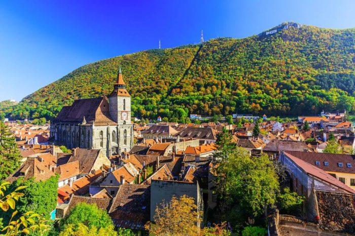 Poznávací zájezd do českých vesniček v Banátu a do Karpat v termínu folklorního festivalu v Rovensku