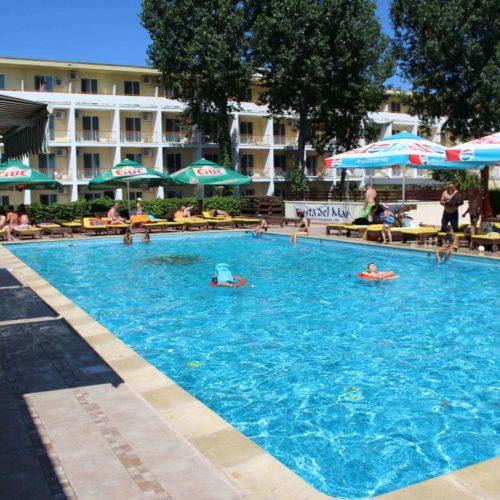 Bazén hotel Central - Mamaia | Zdroj: CK KM