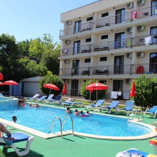 Hotel Mondial - bazén | Zdroj: CK KM