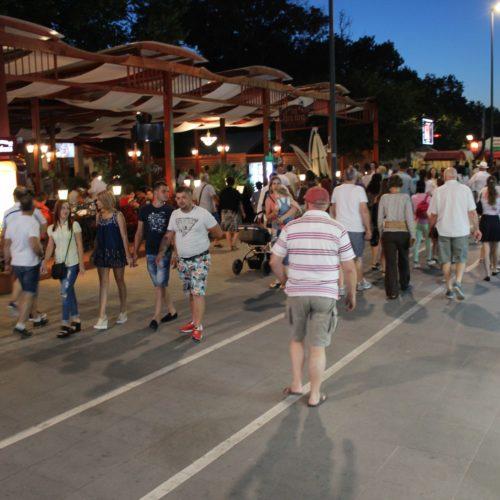 Noční kolonáda v Mamaii | Zdroj: CK KM