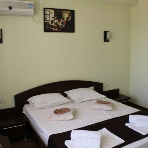 Postel v hotelu Vila Coralis | Zdroj: CK KM