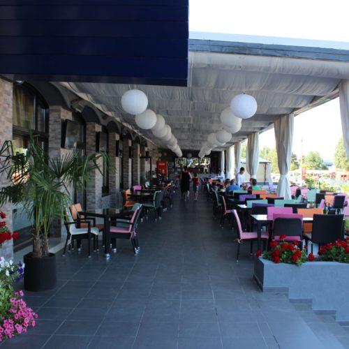 Terasa hotelu Union v Eforii Nord | Zdroj: CK KM