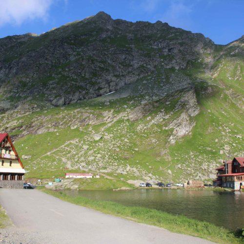Hotely a jezero na vrcholku Transfagarasan | Zdroj: CK KM