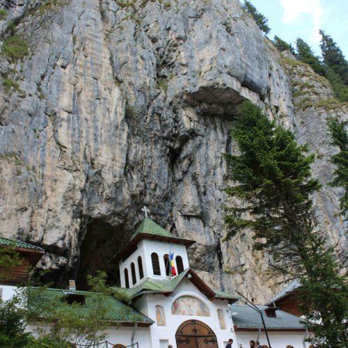 Karpaty - klaster v jeskyni Ialomita | Zdroj: CK KM