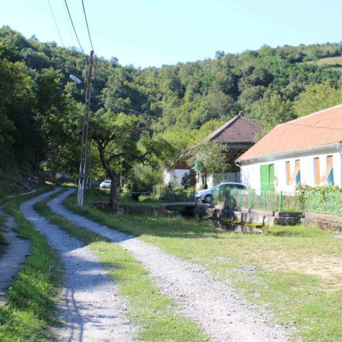 Krajina a baracky na Gerniku | Zdroj: CK KM