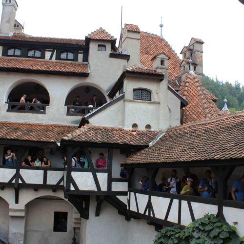 Nadvori hradu Bran | Zdroj: CK KM