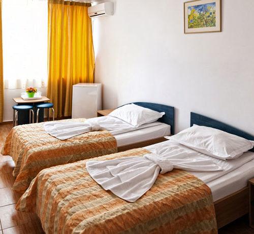 Pokoj Hotel Victoria Sofa ve Victorii