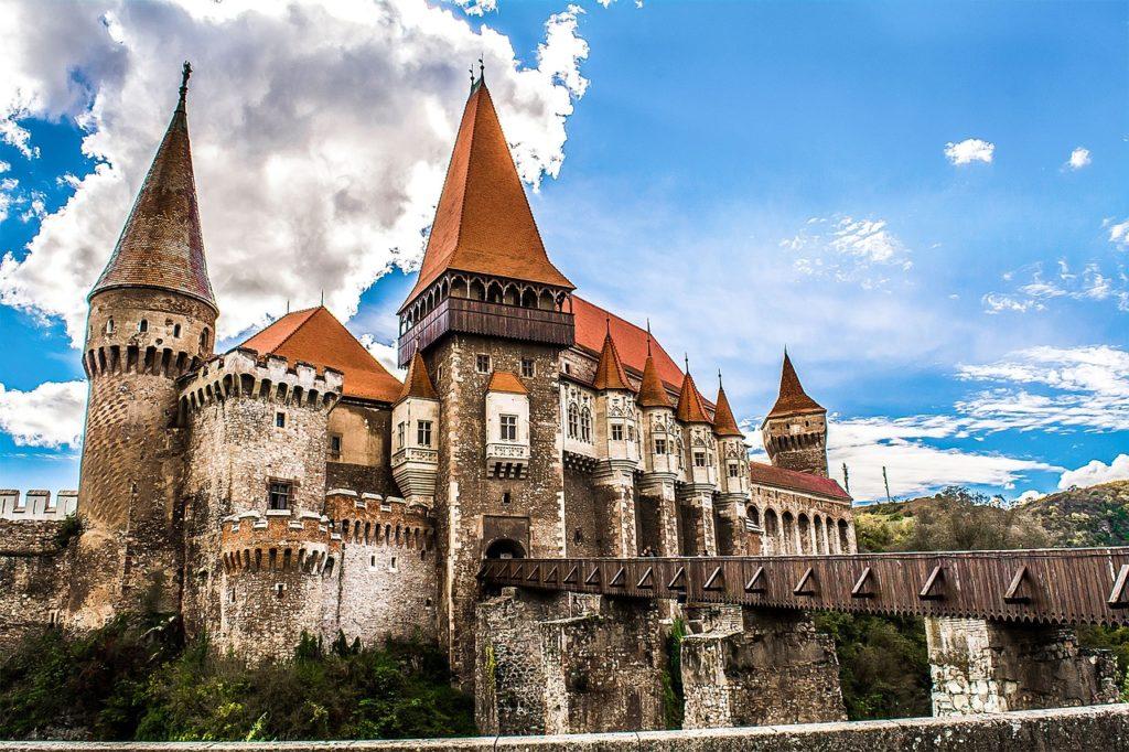Hrad Corvinilor ve městě Hunedoara