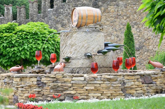 Zájezd do Bukoviny a Moldavska s prohlídkami klášterů, vinařských vesniček a pobytem v lázních