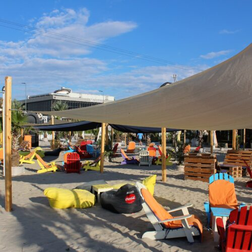 Bar na pláži v letovisku Mamaia | Zdroj: CK KM