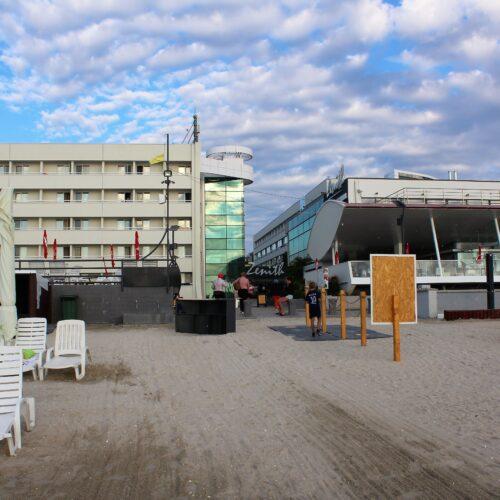 Hotel Zenith v Mamii - pláž | Zdroj: CK KM